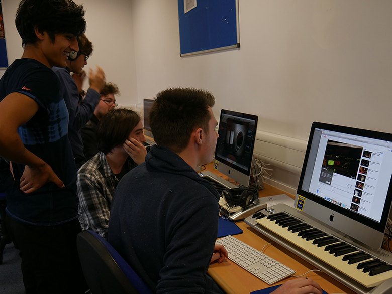 Conservatoire students guide Music Technology students